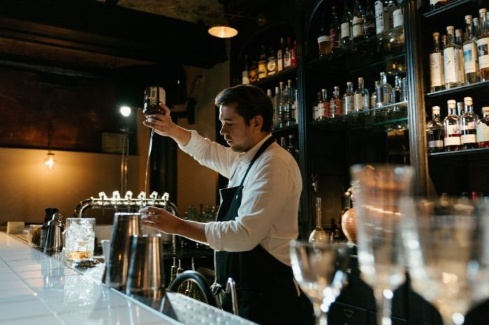 Photo for: Bartender lingo you must know